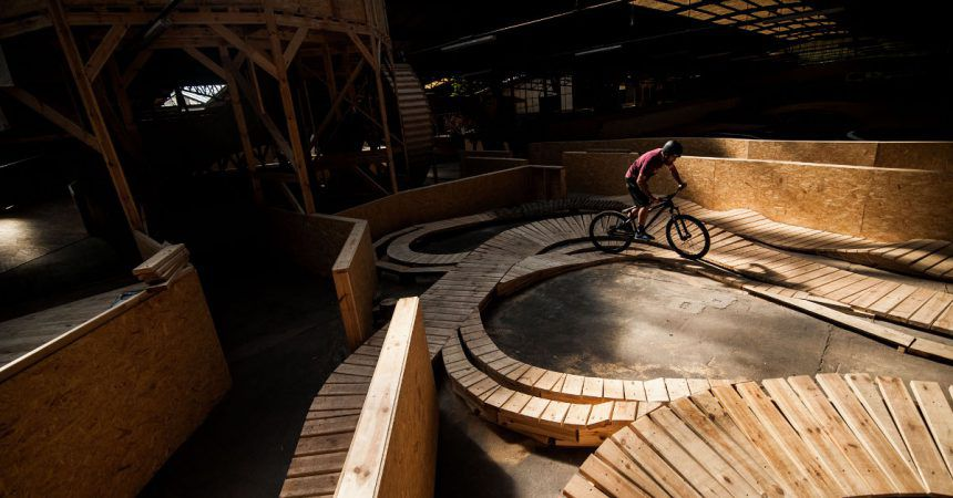 Stride : le premier Bike Park Indoor en France !