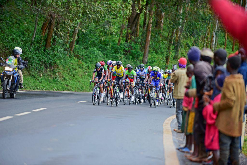 tour-du-rwanda-2016-etape-rusizi-huye-le-17-nov-2016